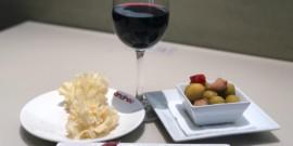 8 claves fáciles de recordar para acertar cuando regalas vino